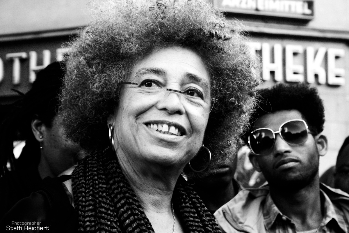 "Angela Davis: ""The Refugee movement is the movement of the 21st Century"""