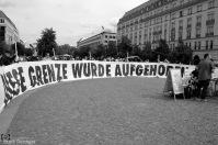 Eine politische Demonstration mit Zeitzeugen und Stör-Aktion, hier Unentdecktes Land, 2016